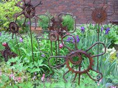 """DIY """"Junk"""" Garden Art • ideas and tutorials! by Nat scavone"""
