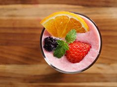 10 Juice and Smoothie Recipes for Cancer Prevention High Antioxidant Foods, Anti Oxidant Foods, Cancer Fighting Foods, Cancer Foods, Eating Organic, Good Fats, Different Recipes, Smoothie Recipes, Juice Recipes
