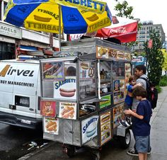 The Iconic New York Hot Dog Stand, Street food in New York City