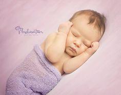 newborn photography studio burlington hillsborough nc (336) 706-4400 www.melisatreenphotography.com
