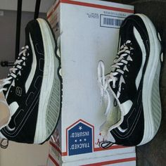 Skechers Shape Ups Bought lightly used. They are too small for me. They are nice shoes. I only tried on. Ordered two pair and neither pair fit. Please make me a reasonable offer! I think they would be a better fit for a 9.5. Skechers Shoes Athletic Shoes