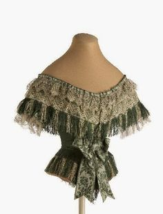 Green silk bodice, ca. Victorian Gown, Victorian Fashion, Historical Costume, Historical Clothing, Vintage Dresses, Vintage Outfits, 1850s Fashion, Antique Clothing, 1800s Clothing