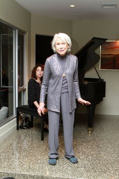 The legendary Carol Channing, at age 91, wowed the exclusive group when she decided she would sing a medley of songs that she made famous.