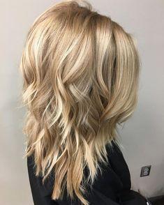 Une idée de coiffure tendance pour cette année.