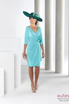 E E18011 CORTO_0851 Mother Of Bride Outfits, Mother Of Groom Dresses, Mother Of The Bride, Glamour Fashion, Church Outfits, The Dress, Marie, Ideias Fashion, Wrap Dress