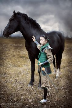 The most amazing Mulan cosplay! She looks so much like the real mulan Cosplay Outfits, Cosplay Costumes, Cosplay Dress, Disney Horses, Most Popular Halloween Costumes, Chinese Movies, Arte Disney, Disney Cosplay, Disney And Dreamworks