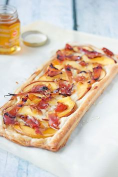 Peach, Proscuito and Brie Tart | http://cookswithcocktails.com/peach-proscuito-brie-tart/