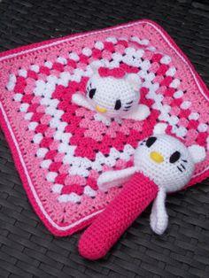 Knuffeldoekje en rammelaar Hello Kitty