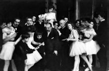 Aleksander Gillert and Enrico Cecchetti among dancers and students, 1904 -Warsaw