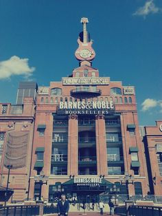 Barnes & Noble at Hard Rock Cafè in Baltimore, MD.