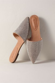 Looking for a pair of comfortable wedding shoes? These bridal shoes from Etsy are positively perfect, from bridal sneakers to wedding reception shoes. # small Weddings 10 Cute + Comfortable Bridal Shoes For Your Wedding Reception Cute Shoes, Me Too Shoes, Comfortable Bridal Shoes, Small Intimate Wedding, Small Weddings, Intimate Weddings, Shoe Boots, Shoes Heels, Flat Boots