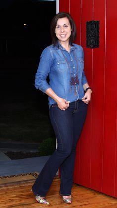 Total jeans: calça + camisa (e colar de dragão poderoso)