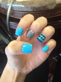 #nails #turquoise #strips