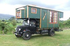 doyoulikevintage: 1952 Bedford House Truck, New Zealand Camper Caravan, Camper Life, Truck Camper, Camper Trailers, Camper Van, Pickup Camper, Gypsy Caravan, Gypsy Wagon, Bedford House