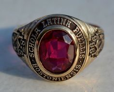 ESTATE 10K YELLOW GOLD BOSTON LATIN HIGH SCHOOL CLASS RING-SIZE 8-417-1966 #HJ