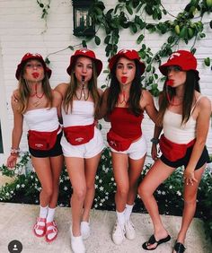 35 Cutest, Craziest & Coolest Group Halloween Costumes for your Girl Squad - Hike n Dip - - Check out best Group Halloween costumes idea that'll make your girl squad shine like never before. Flaunt your friendship with these Group Halloween Outfits. Best Group Halloween Costumes, Halloween Costumes For Teens Girls, Couples Halloween, Trendy Halloween, Hallowen Costume, Fete Halloween, Costumes Kids, Women Halloween, Halloween College