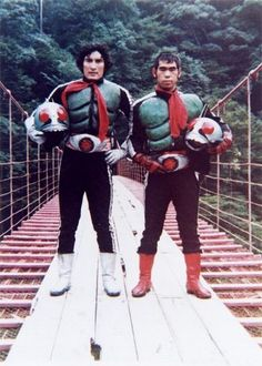 Suit Actors of Kamen Rider (1971). Testuya Nakayashiki (Left: New Kamen Rider 1), Masaru Okada (Right: New Kamen Rider 2) / 仮面ライダー(1971) スーツアクター 中屋敷 哲也(左:新1号)、岡田 勝(右:新2号)