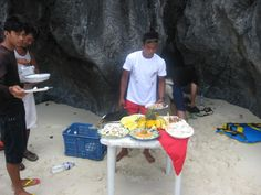 El Nido, Philippines. Lunch on the beach.