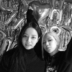 Instagram Roses, Instagram Story, Yg Entertainment, K Pop, South Korean Girls, Korean Girl Groups, Rapper, Hyeri, Rose Park