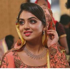 Beauty Pictures: Nazriya Nazim Kerala Bride, South Indian Bride, South Indian Actress Photo, Nazriya Nazim, Tamil Brides, Girly Drawings, Indian Party Wear, Girl Attitude, Indian Photography