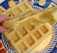 A leitora Sabrina Malichesqui Leite  me mandou uma receita de waffles há um tempão atrás. Como na época eu não tinha a máquina para f...