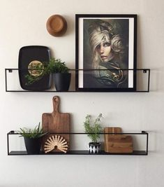 Hylle Meert fra Møbelringen House Styles, Living Room, Kitchen Interior, Kitchen, Home, Interior, Shelves, Floating Shelves, Home Decor