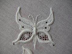 papillon en broderie de Touraine 1