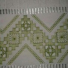 (99) Одноклассники Swedish Embroidery, Hardanger Embroidery, Learn Embroidery, Hand Embroidery Stitches, Embroidery Techniques, Embroidery Patterns, Cross Stitch Borders, Cross Stitch Patterns, Bordado Tipo Chicken Scratch