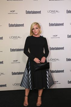 Jane Krakowski from Unbreakable Kimmy Schmidt Curvy Women Outfits, Clothes For Women, Jane Krakowski, Unbreakable Kimmy Schmidt, Girl Stuff, American Actress, Turning, Red Carpet, Beautiful People