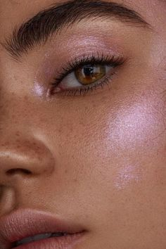 Co-Washing & 4 steps to Ultra Moisturised Relaxed Hair [Video Glass skin pink highlighter The post Co-Washing & 4 steps to Ultra Moisturised Relaxed Hair [Video & Make up appeared first on Glossy makeup . Makeup Goals, Makeup Inspo, Makeup Art, Makeup Ideas, Face Charts, Relaxed Hair, Beauty Make-up, Beauty Skin, Maybelline
