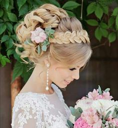 250 Bridal Wedding Hairstyles for Long Hair That Will Inspire Elegant wedding updo from Websalon Wed Romantic Hairstyles, Wedding Hairstyles For Long Hair, Wedding Hair And Makeup, Formal Hairstyles, Bride Hairstyles, Pretty Hairstyles, Bridal Hair, Hairstyle Ideas, Hairstyles 2018