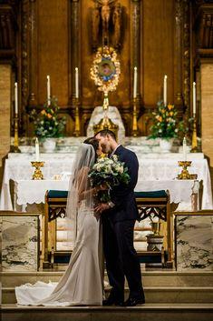 Wedding Photo Pictures, Wedding Ceremony Pictures, Church Wedding Ceremony, Wedding Picture Poses, Church Wedding Decorations, Wedding Photo Inspiration, Hotel Wedding Receptions, Wedding Photo Checklist, Wedding Photography Checklist