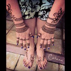 Polynesian tattoo inspired bridal henna on Kauai, Hawaii Henna Pictures, Dot Tattoos, Henna Tattoos, Polynesian Art, Henna Mehndi, Mehendi, Bridal Henna, Henna Designs, Kauai Hawaii