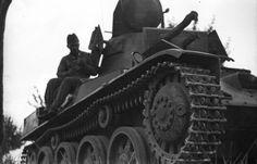 MÁVAG gyártmányú 38M Toldi I. könnyű harckocsi. Defence Force, Ww2 Tanks, Armored Vehicles, Luftwaffe, Hungary, Military Vehicles, Army, Gi Joe, Military