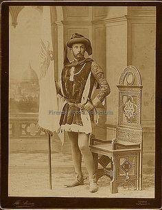 Nobile fiorentino in costume #ConosciFirenze nel 1887, in occasione dell'inaugurazione della nuova facciata del Duomo