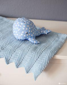 DIY baby blanket with zigzag pattern crochet DIY gift idea for birth DIY baby … - Babysachen Easy Blanket Knitting Patterns, Easy Crochet Patterns, Diy Crochet, Baby Patterns, Easy Knitting, Easy Baby Blanket, Baby Blanket Crochet, Blankets For Sale, Zig Zag Pattern