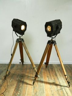 Tripod Theatre lights (20th century) UK
