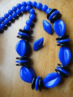 BOLD 1980's Black and Blue Necklace Set  Vintage by gammiannes
