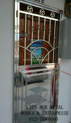 M54 Home Window Grill Design, Balcony Grill Design, Grill Door Design, Balcony Railing Design, Stair Railing, Railings, House Main Gates Design, Front Gate Design, Door Gate Design