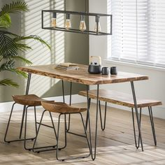sPISEBORD I MASSIV AKACIETRÆ OG SORT METAL Braun Design, Vintage Dining Chairs, Acacia, Foot Rest, Office Desk, Dining Bench, Kitchen Decor, Modern Design, Interior Design