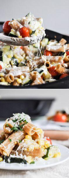 Garden Vegetable Skillet Pasta I howsweeteats.com