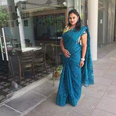 Wow, What a pose Indiana, South Indian Film, Malayalam Actress, Beautiful Saree, India Beauty, Saree Blouse, Indian Dresses, Traditional Outfits, Desi