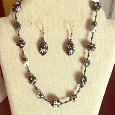 Necklace & earring set Set only worn once, look great on! Easy closure... Dresses up any outfit! Jewelry Necklaces