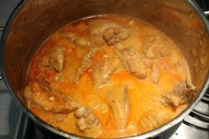 Paprikás csirke   Kemény Tojás receptek képekkel Hungarian Recipes, Thai Red Curry, Lunch, Healthy Recipes, Cooking, Ethnic Recipes, Food, Chicken, Red Peppers