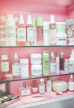 Natural makeup look everydaynaturalmakeup Makeup skin care, Skin care, Skin makeup, Beauty skin care Top Skin Care Products, Best Skincare Products, Skin Care Tips, Drugstore Skincare, Natural Makeup Products, Lush Products, Beauty Products, Beauty Care, Diy Beauty