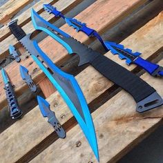 Ninja Weapons, Anime Weapons, Fantasy Weapons, Weapons Guns, Pretty Knives, Cool Knives, Swords And Daggers, Knives And Swords, Armas Ninja