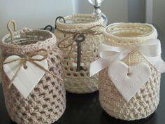 KUUNSÄTEESSÄ: Virkattuja tuikkulaseja Crochet Jar Covers, Woolen Craft, Mason Jar Lanterns, Types Of Craft, Diy Candles, Mason Jar Crafts, Crochet Doilies, Pots, Diy And Crafts