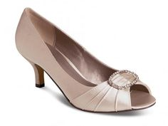 These are a stunning pair of taupe occasion shoes, perfect for a mother of the bride or groom to wear. This shoe has a low heel and a peep toe. An oval shaped diamante buckle centers the shoe to give it a glamorous look. Low Heel Shoes, Low Heels, Mother Of The Groom Shoes, Taupe Shoes, Occasion Shoes, Wedding Shoes, Wedding Stuff, 50s Wedding, Bridesmaid Shoes