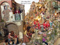 Natale 2013 a Sorrento e Capodanno 2014 a Sorrento. Il corteo dei Re magi che si reca in visita a Gesù bambino così come realizzato nel presepe della Società operaia di mutuo soccorso di Sorrento. Per approfondimenti vai a: http://www.ilmegliodisorrento.com/2010/12/scene-di-natale-all%E2%80%99-ombra-del-sedil-dominova-un-magnifico-presepe-4/