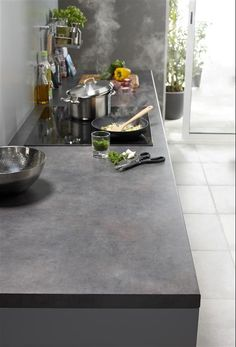 grey kitchen / cuisine en camaïeu de gris #concrete
